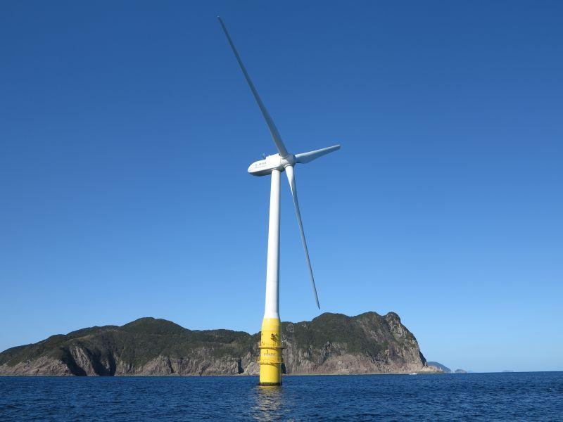 浮体式洋上風力発電施設